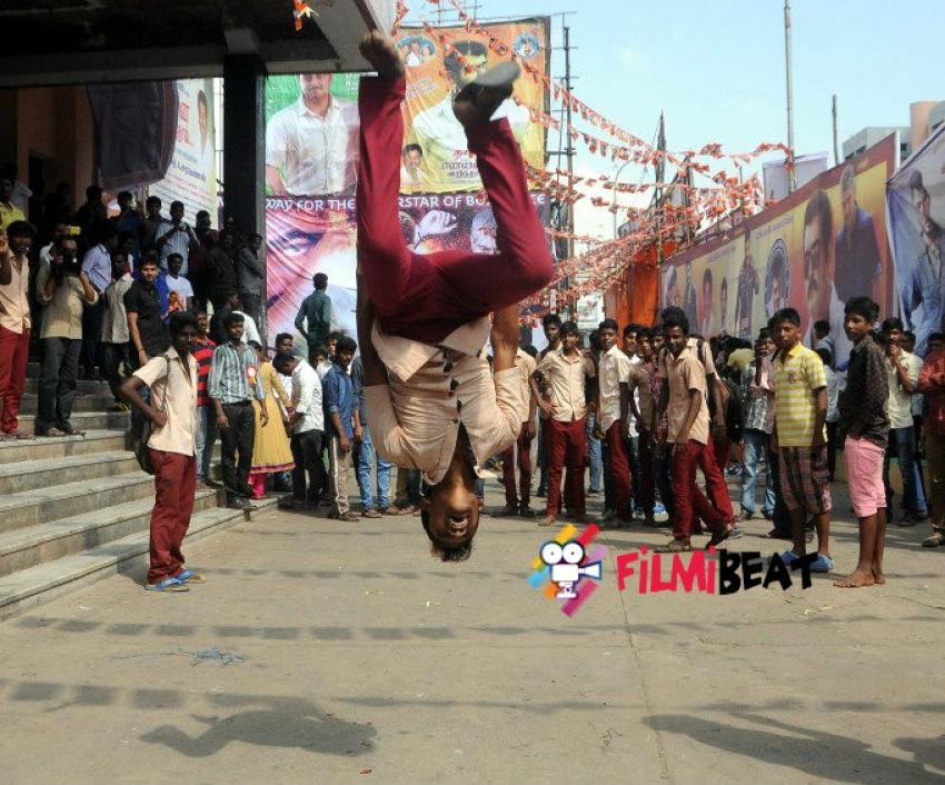 Ajith Fans Celebrates Yennai Arindhaal Movie Photos