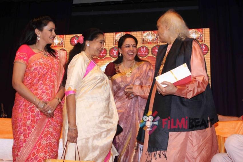 Launch Of Dr.Veena Mundhra's Album 'Shri Hari Vani Gita' Photos