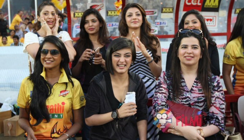 Glam Celebs at CCL 2015 Photos