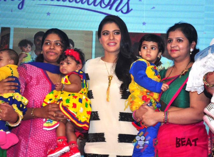 Kajol Launches Huggies Priceless Moments Mobile Campaign Photos