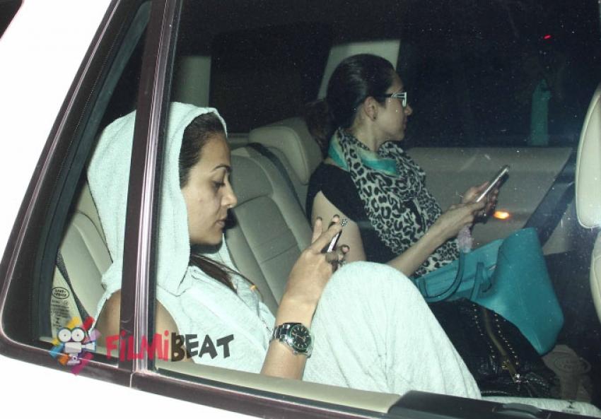 Malaika Arora Khan & Karisma Kapoor Snapped At Kareena's House Photos