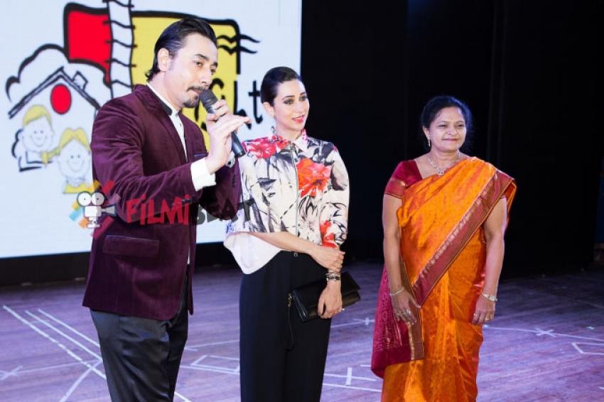 Karisma Kapoor At Annual Day Of Bright Start Fellowship International School Photos