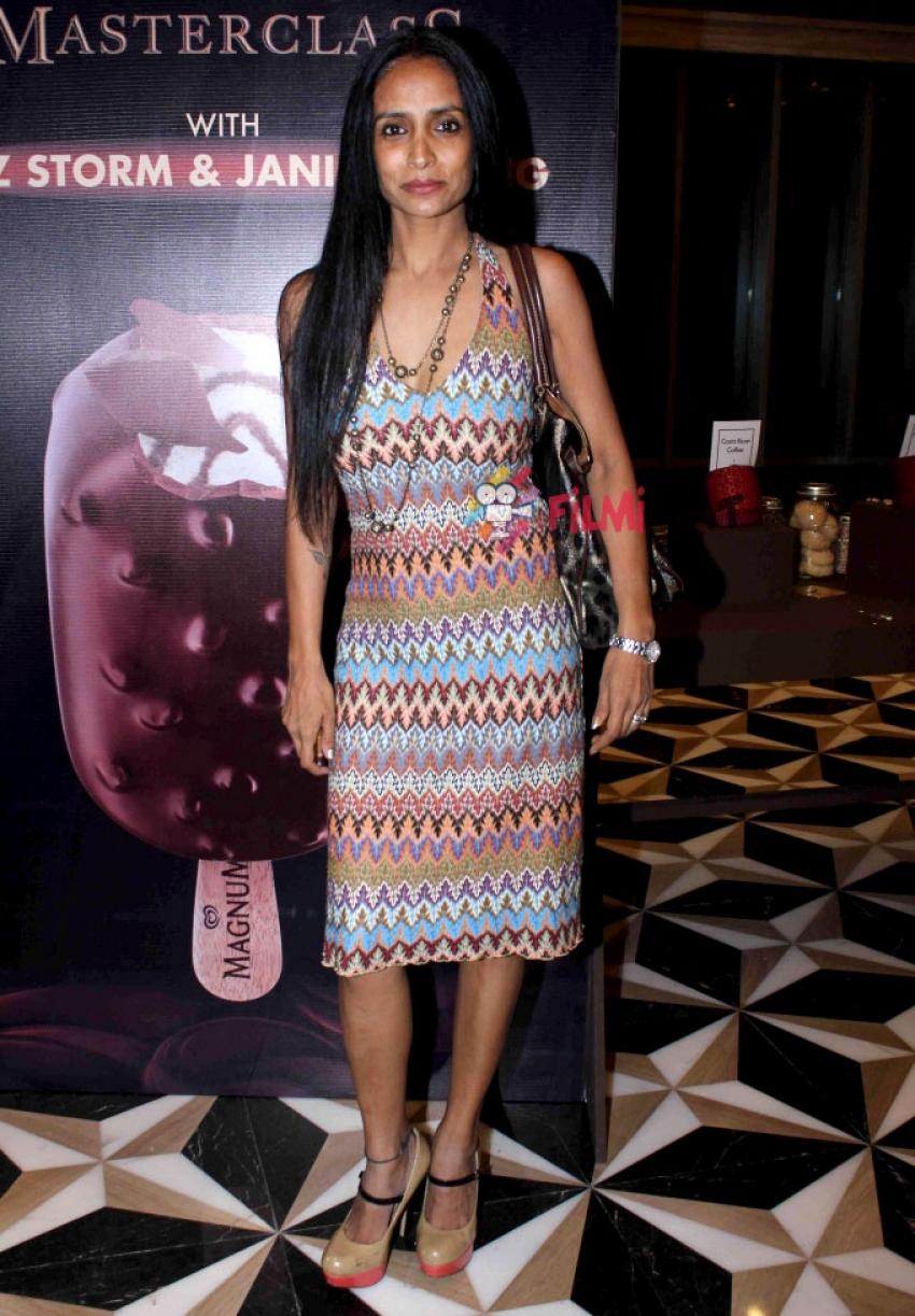 Soha Ali Khan At Launch Of New Choco Cappuccino Magnum Photos