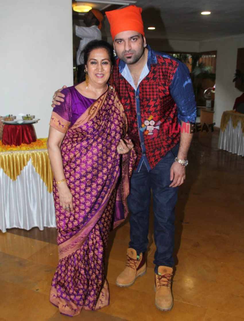 Naazneen Bedi Celebrate Her Birthday With Family And Friends Photos