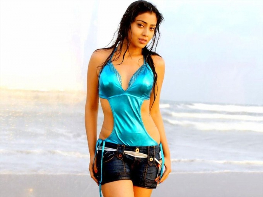 Wet South Indian Actresses In Beach Photos