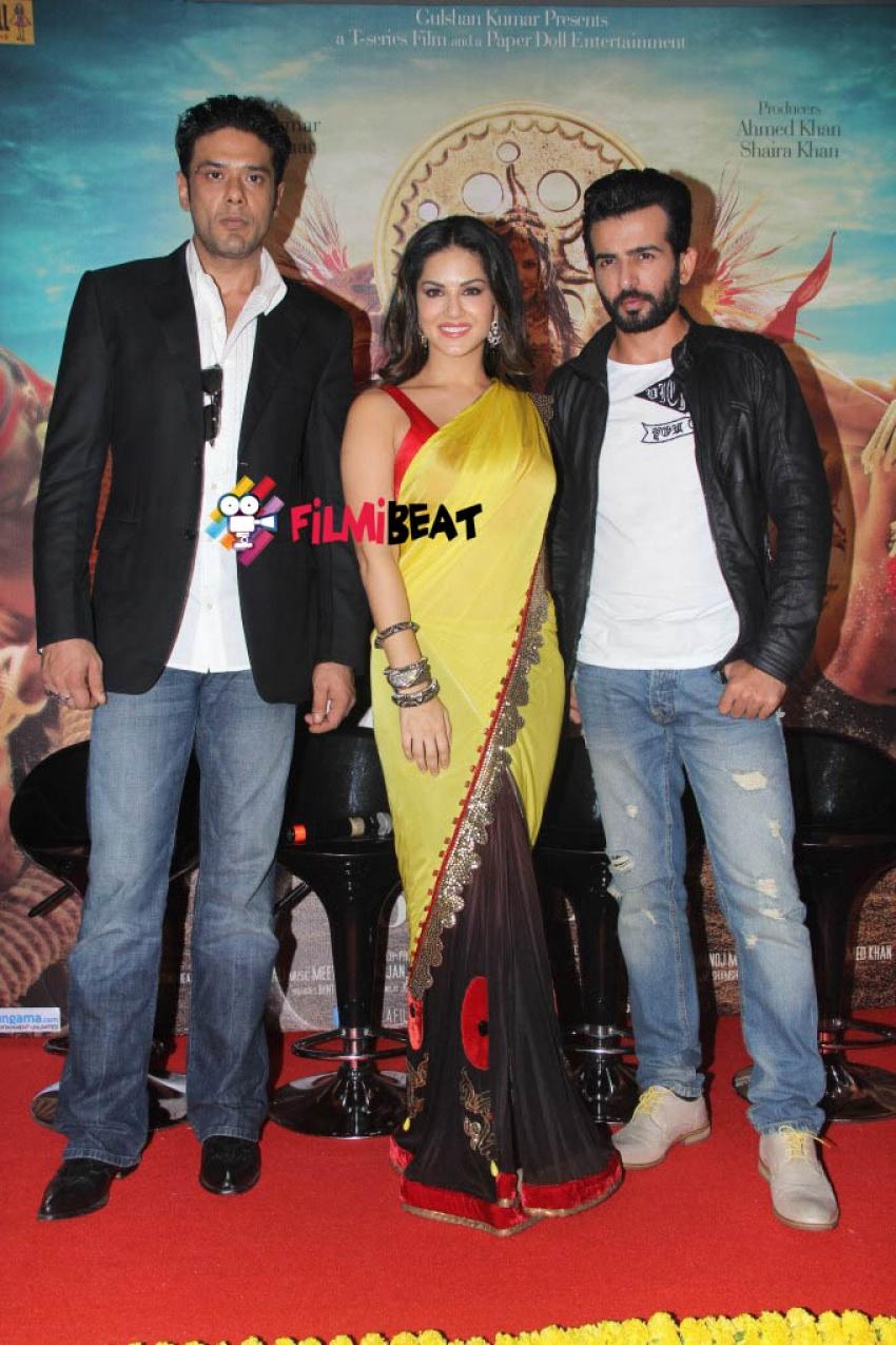 Sunny Leone Launch Trailer Of Ek Paheli Leela Photos