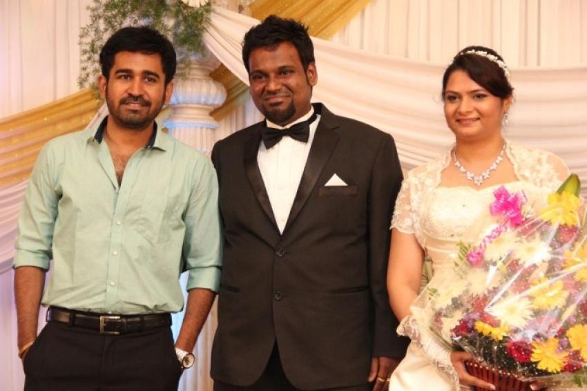 Music Director Simon Wedding Reception Photos