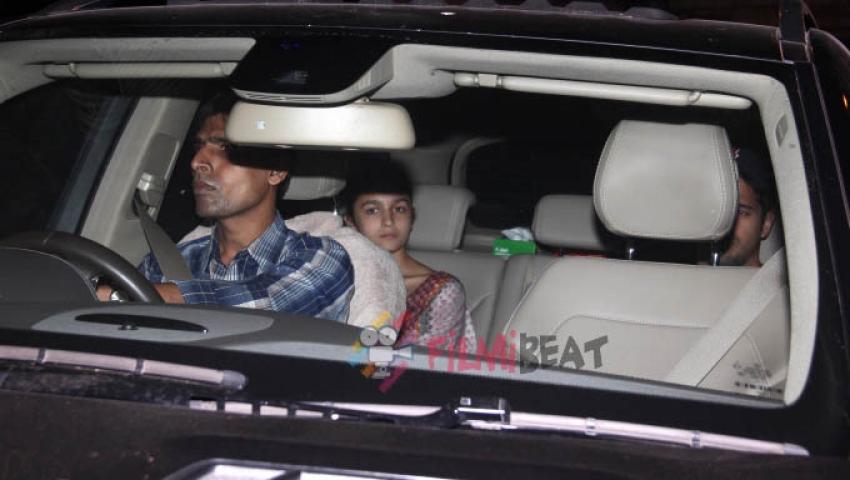 Alia Bhatt & Sidharth Malhotra Snapped At Bandra Photos