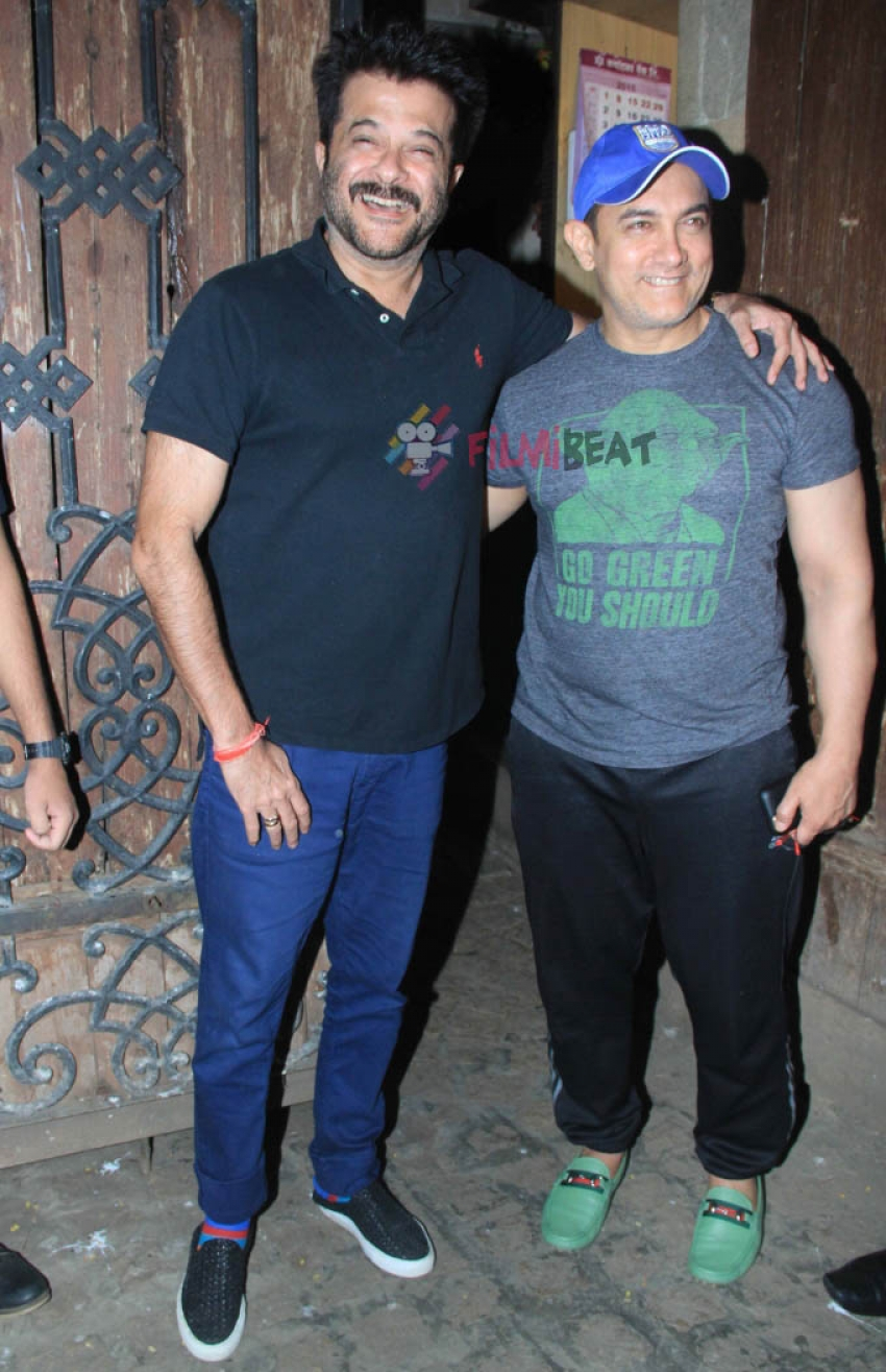 Aamir Khan Snapped At Anil Kapoor's Residence Photos