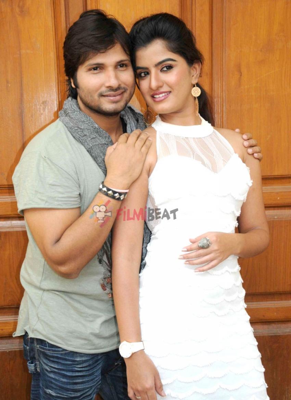 Anju Manju Love Story Photos