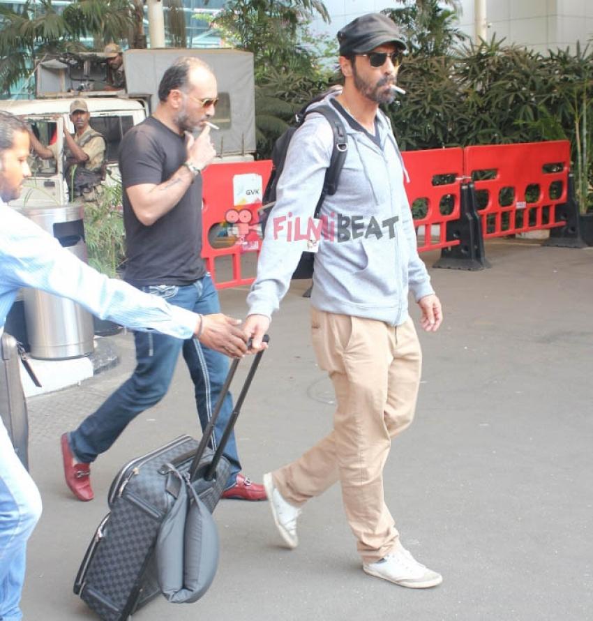 Ileana D'Cruz, Arjun Rampal & Lisa Haydon Snapped At Airport Photos