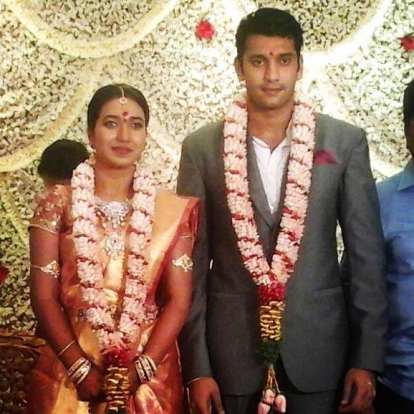 Arulnidhi And Keerthana Engagement Photos