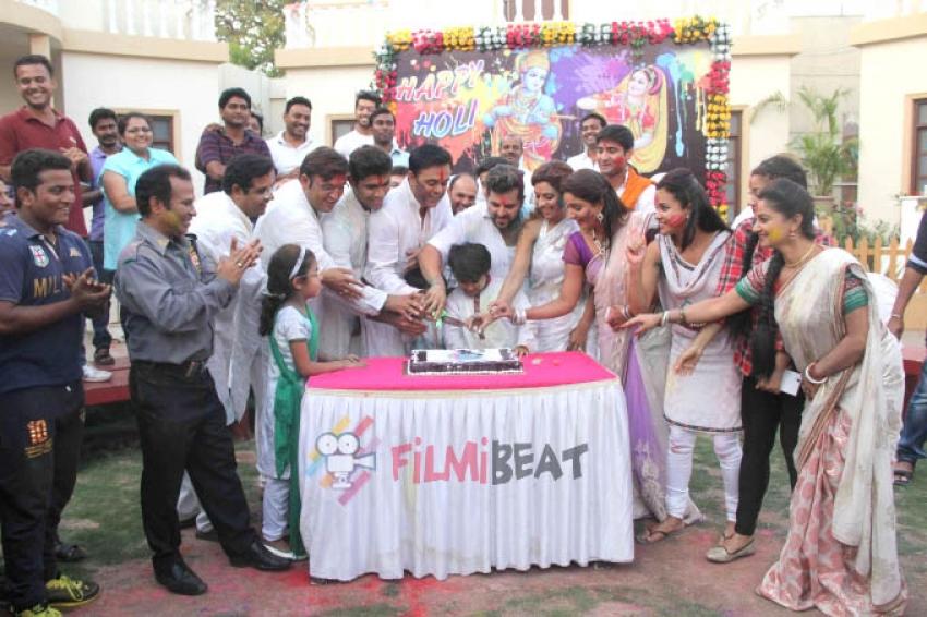 'Badi Door Se Aaye Hai' Celebrations Of Holi Photos