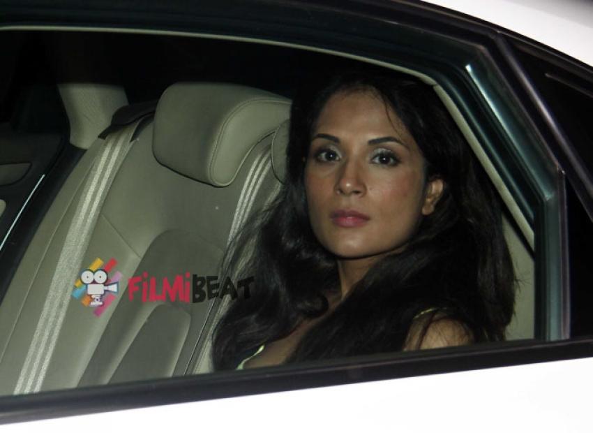 Ayushmann Khurrana With Bhumi Pednekar Snapped At 69 Restaurant Photos