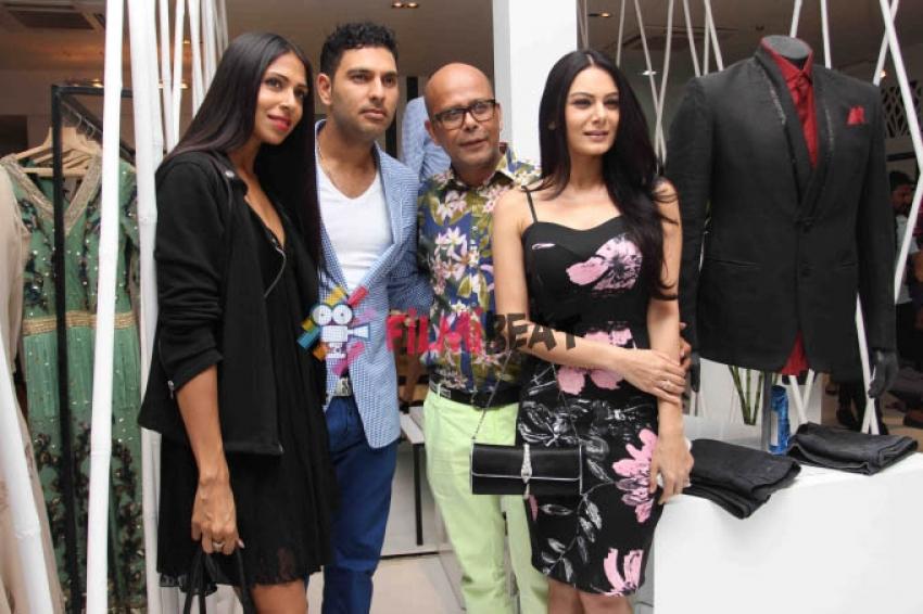 Narendra Kumar Unveils Spring Summer 2015 Photos