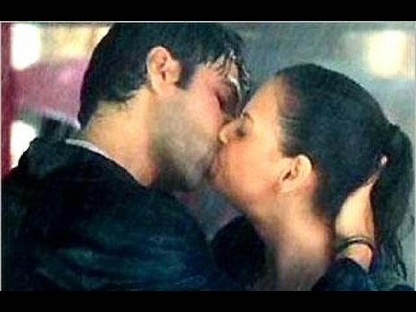 Emraan hashmi kissing video