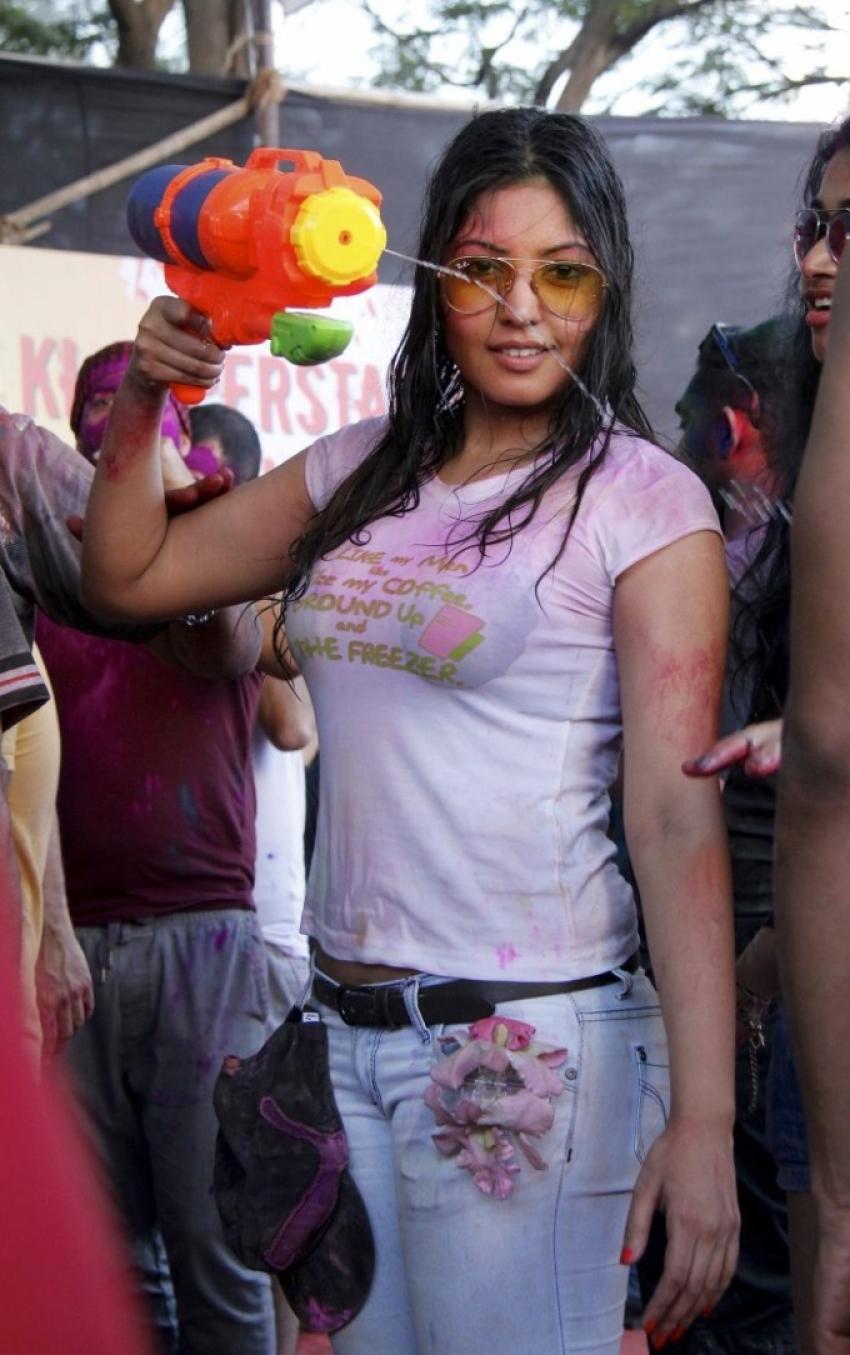 Komal Jha Holi Celebration Photos