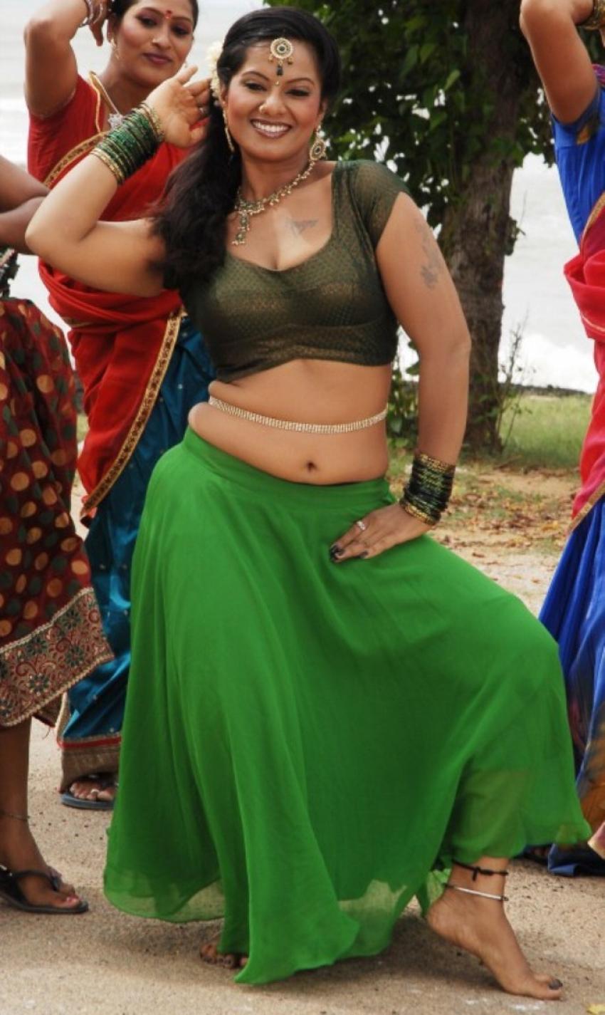 Nadhigal Nanaivathillai Photos