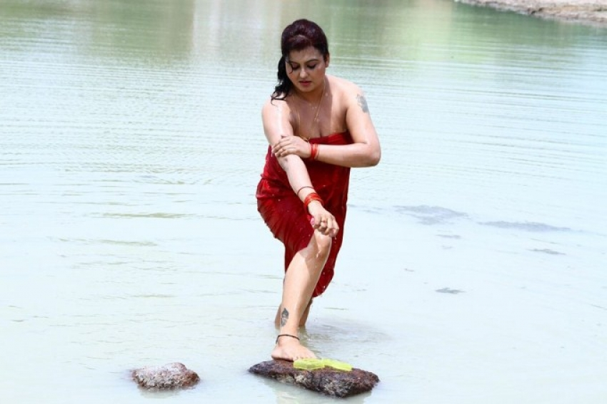 Sivappu Manithargal Photos