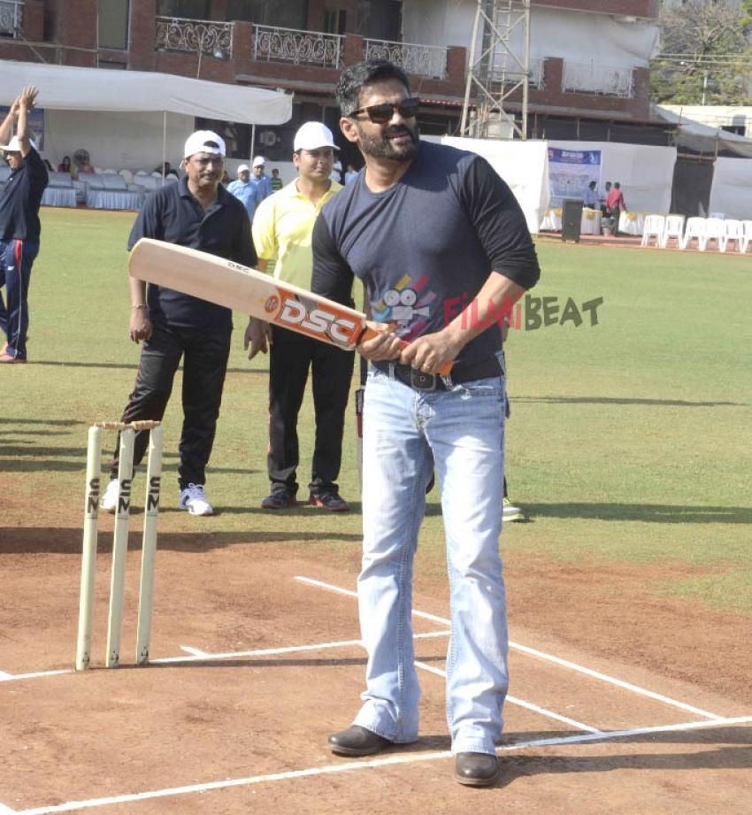 Sunil Shetty At 'Dena Bank Premier League Cricket' Photos