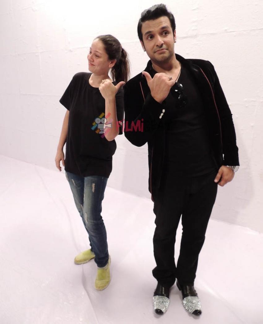 Vinay Anand Shoots 'Maula Maula' For His Album Photos
