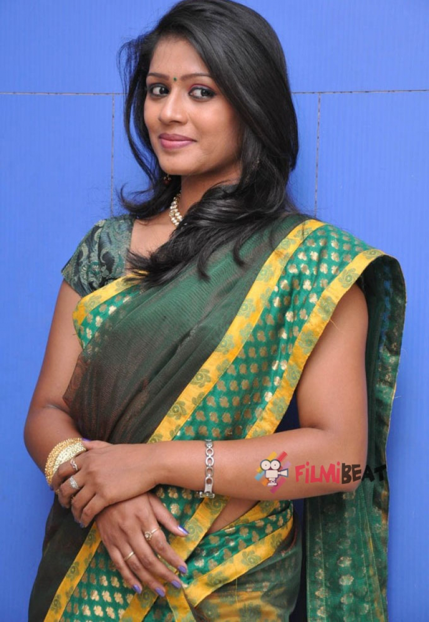 Anu Sri Photos
