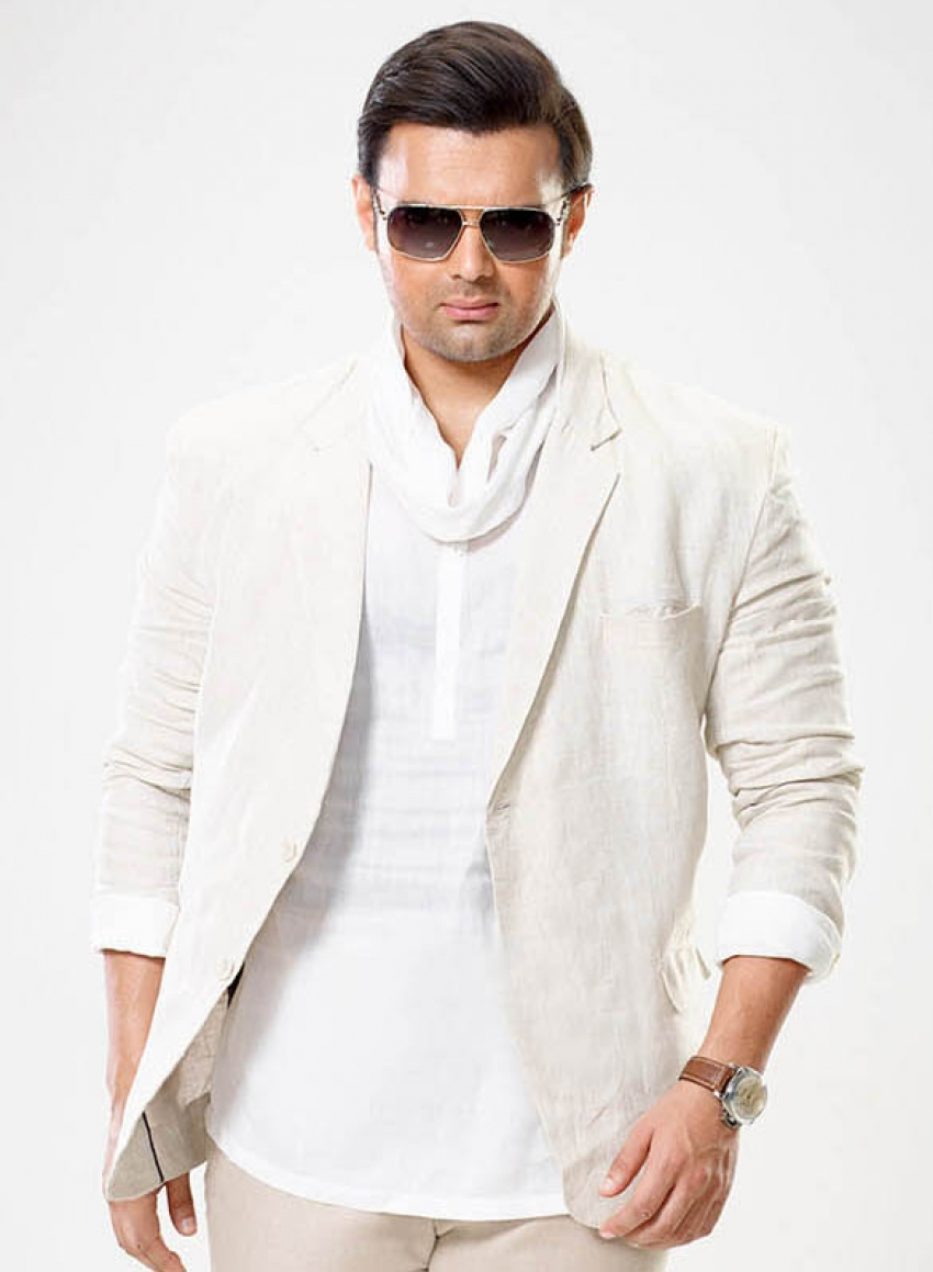 Mahaakshay Chakraborty Photos