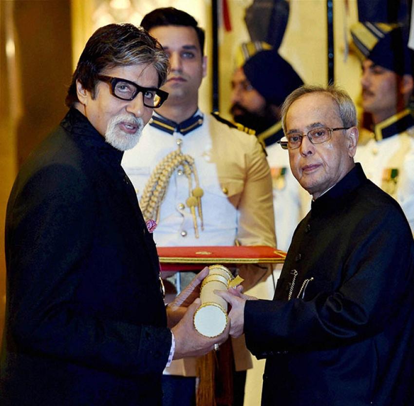 Amitabh Bachchan Honored With Padma Vibhushan Award Photos