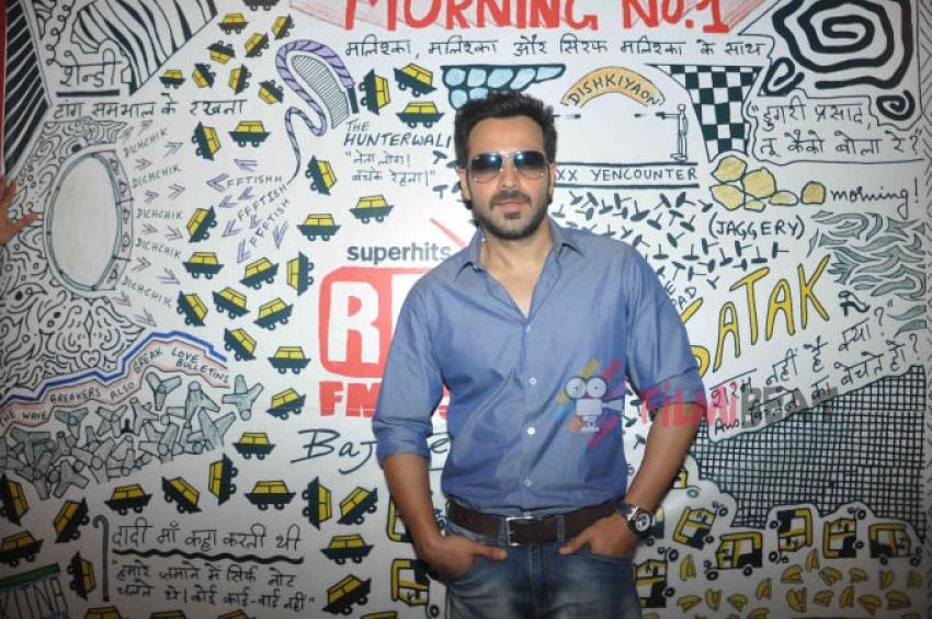 Emraan Hashmi & Vidya Balan Promote 'Hamari Adhuri Kahani' At Red FM Photos
