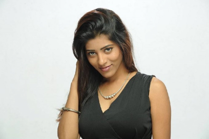 Gayatri (Telugu Actress) Photos