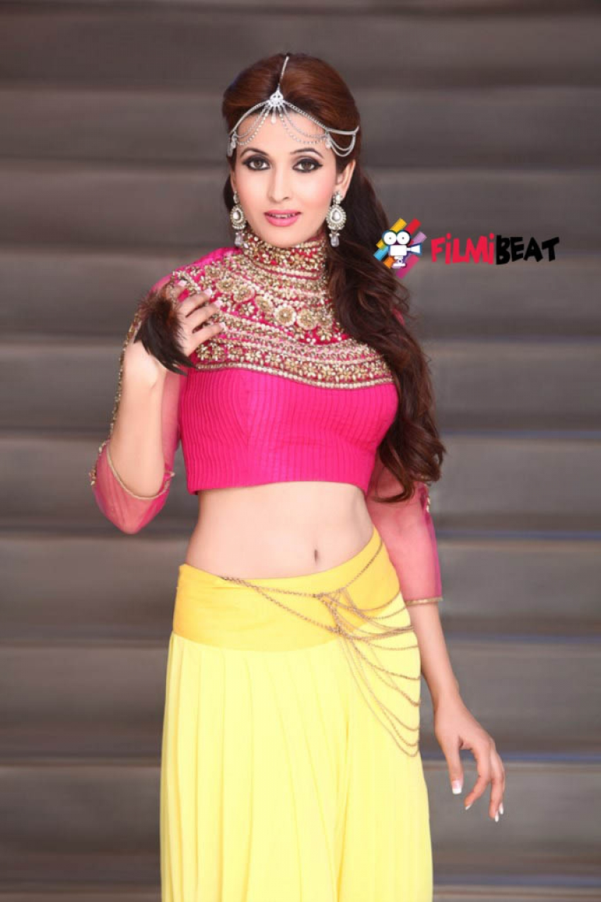 Aishwarya Choubey Photos