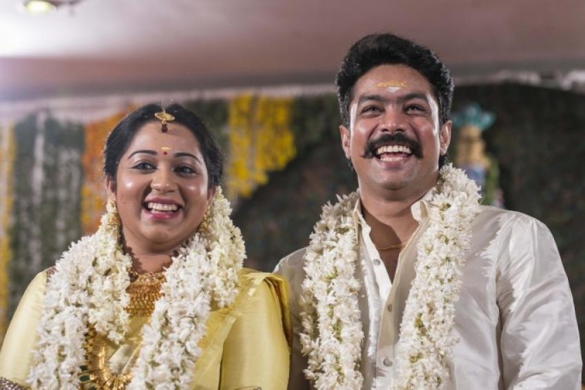Actor Harish And Doctor Abinaya Marriage Photos