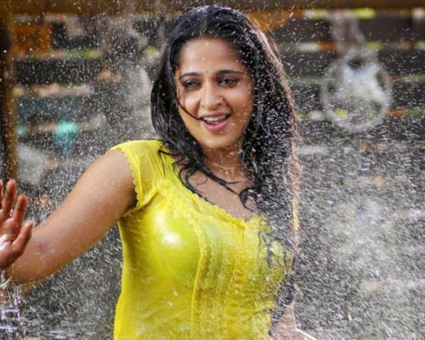 Actress Wet Photos Actress Wet Pics Actress Wet Hot Images