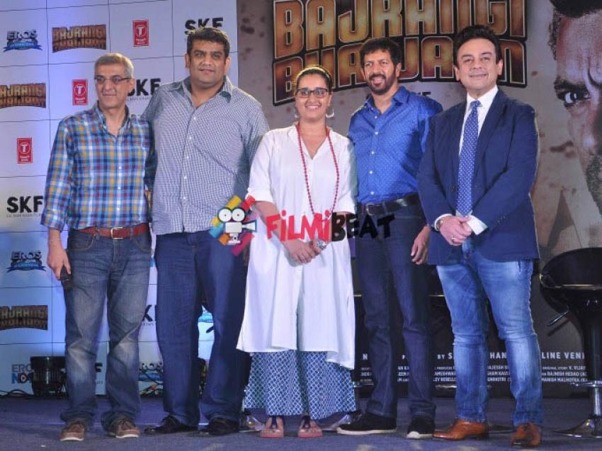 Bhar Do Jholi Meri - Bajrangi Bhaijaan Song Launch Photos