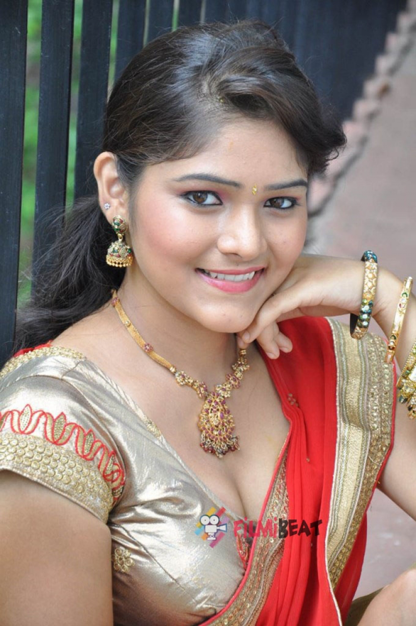 Haritha New Telugu Actress Photos Hd Latest Images Pictures