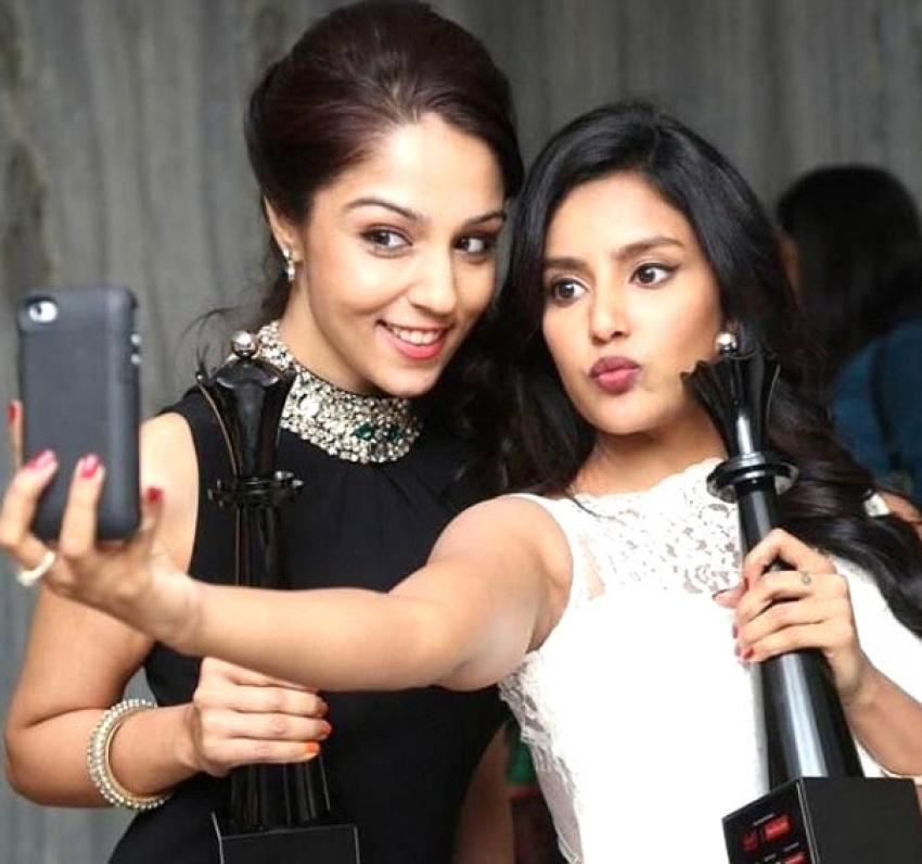 Off-Screen Galattas Of Tamil Celebs In Shooting Spot Photos