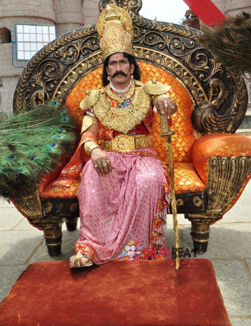 Paarvai Photos