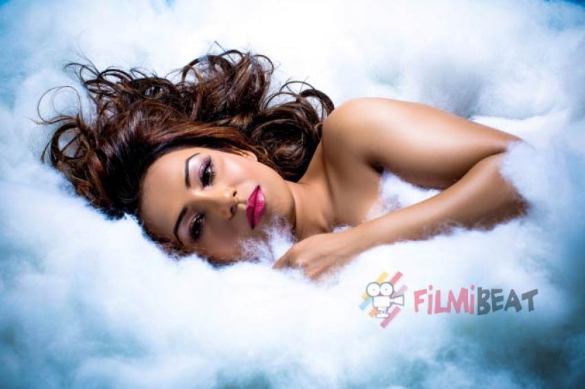Raina Agni Photos