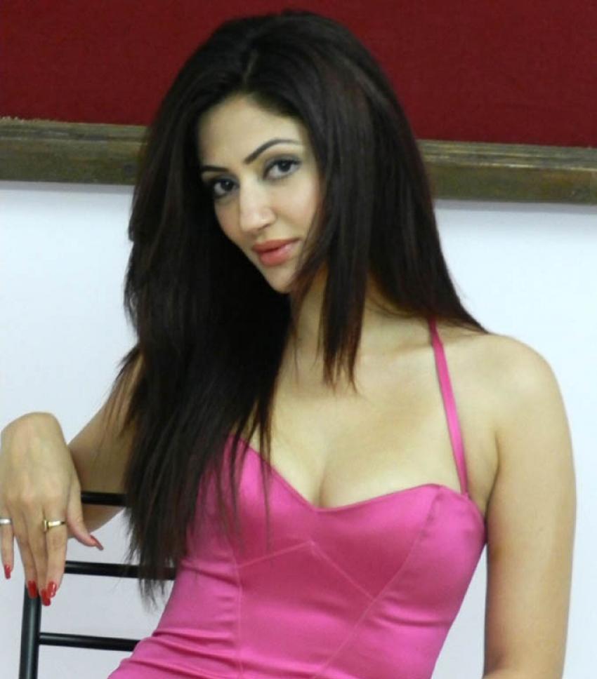 Reyhna Malhotra Photos
