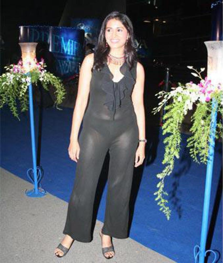 Fashion Disaster Of Bollywood Actress Photos