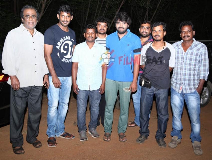 Tamil Actor Vishal On The Sets Of Rakshasi Photos