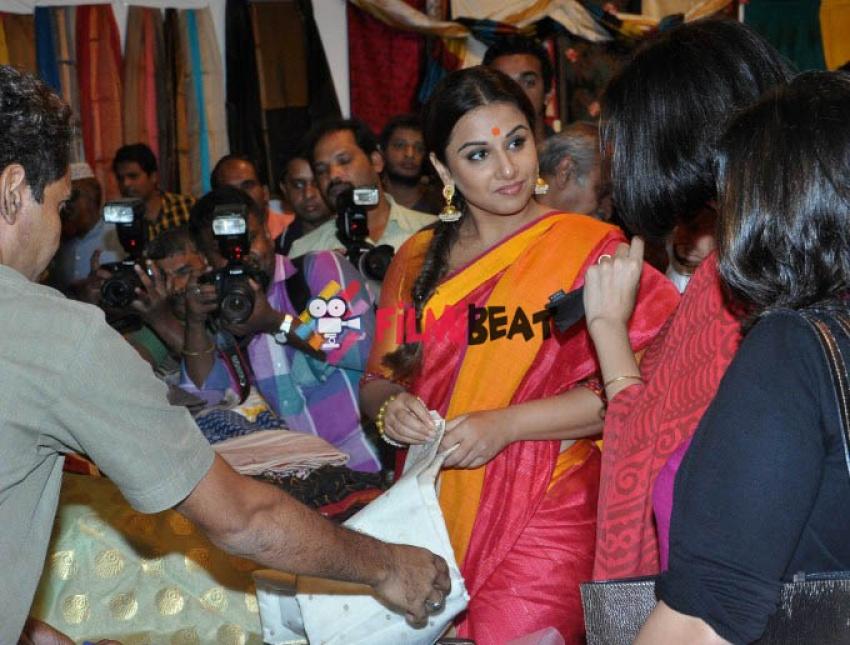 Vidya Balan Inagurates Craft Exhibition of MP Photos