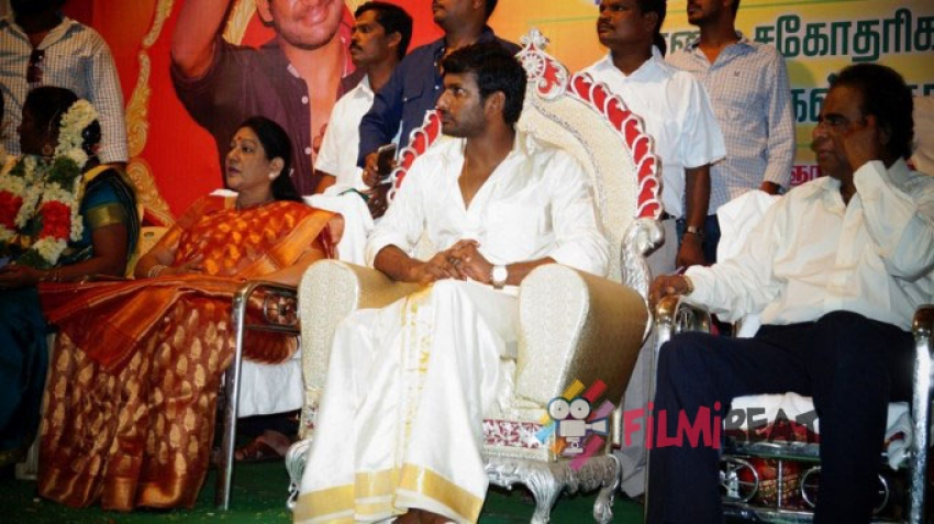 Vishal Graced Over Marriage Of 10 Poor Girls Photos