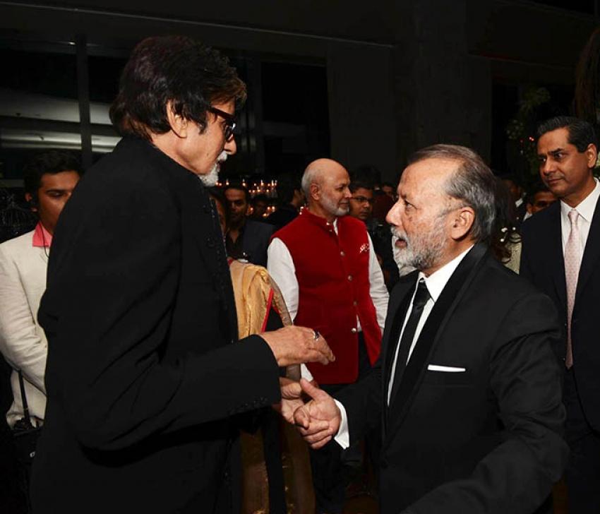 Amitabh Bachchan Wishes Shahid Kapoor & Mira At Wedding Reception Photos