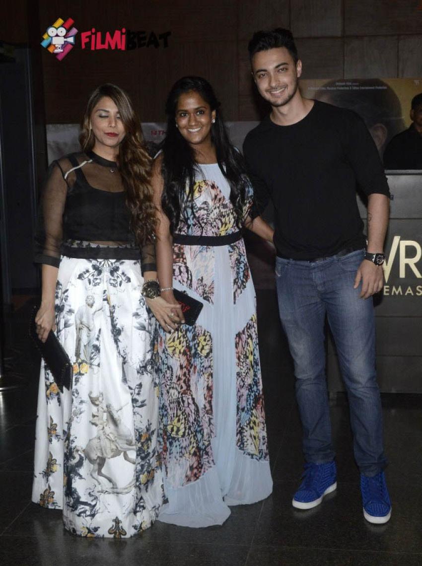 Priyanka Chopra, Ayushmann, Arpita At Special Screening of Bajrangi Bhaijaan Photos