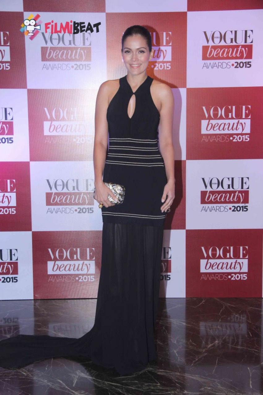 Celebs At Vogue Beauty Awards 2015 Photos
