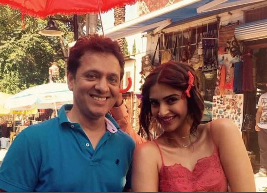 Hrithik Roshan & Sonam Kapoor Shoot for Dheere Dheere Music Video Photos