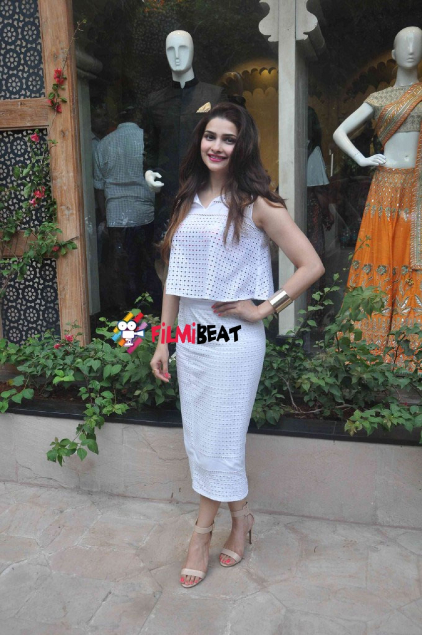 Announcement Of Vogue Wedding Show 2015 At Anita Dongre's New Store Photos