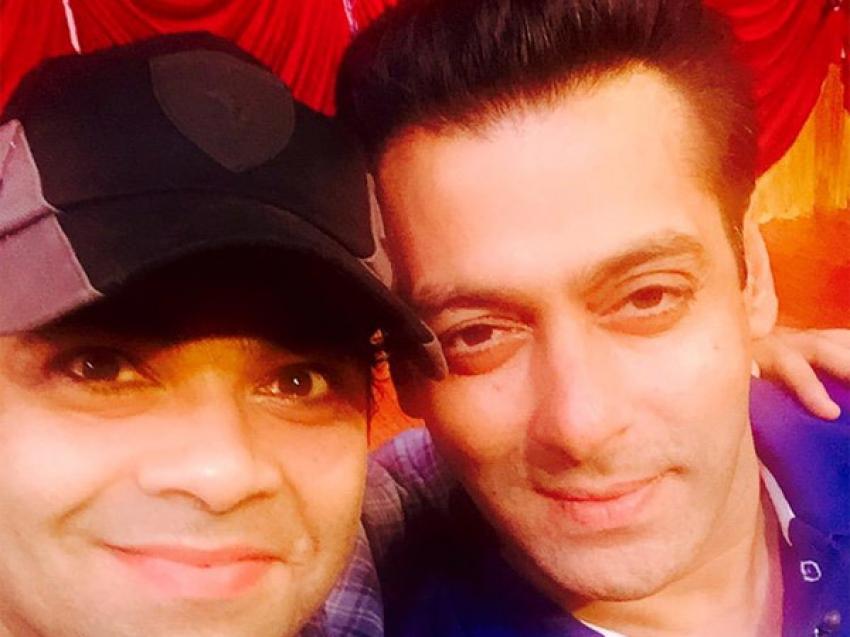 Salman Khan Promotes Bajrangi Bhaijaan On Comedy Nights With Kapil Photos