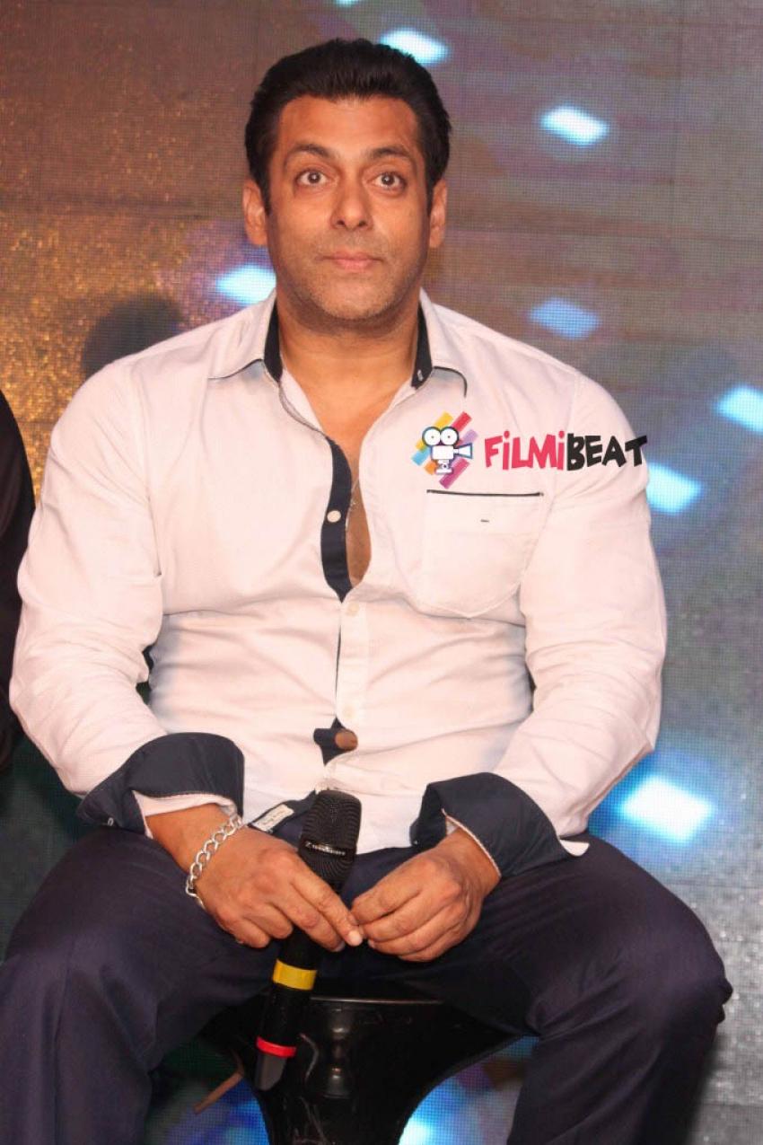 Salman, Kareena & Cast Promotes Bajrangi Bhaijaan At Delhi Photos